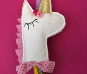 Easter_candle_unicorn2